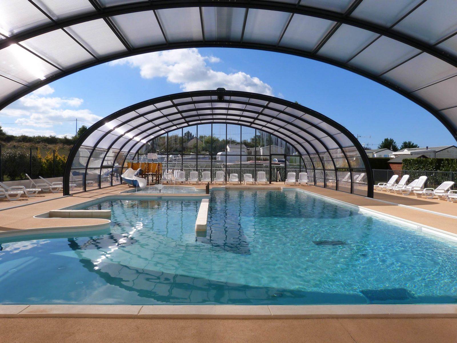 Nouvelle piscine couverte et chauffée