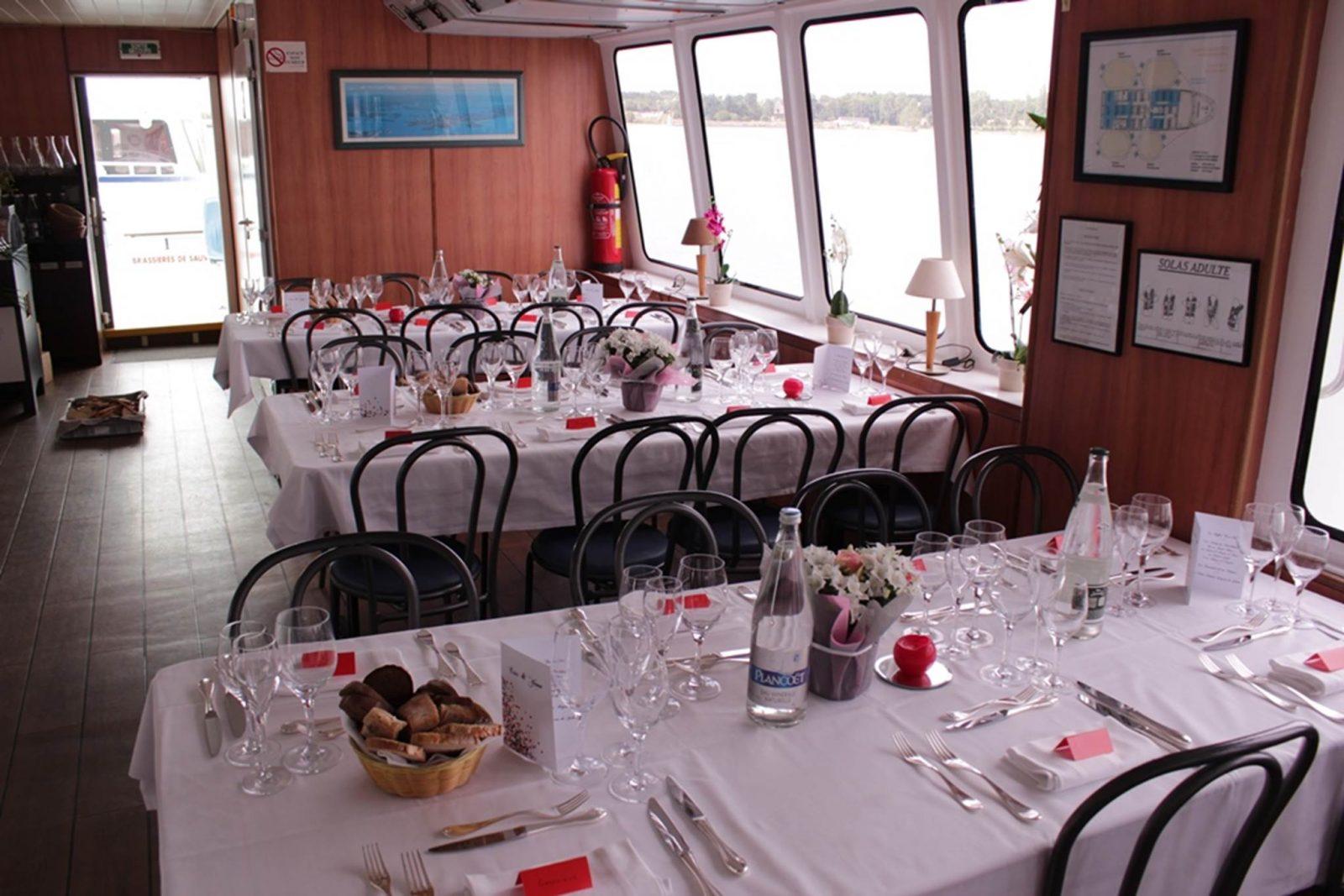 Bateau-Restaurant-Le-Mor-Bihan-Navix-Vannes-Golfe-du-Morbihan-Bretagne sud