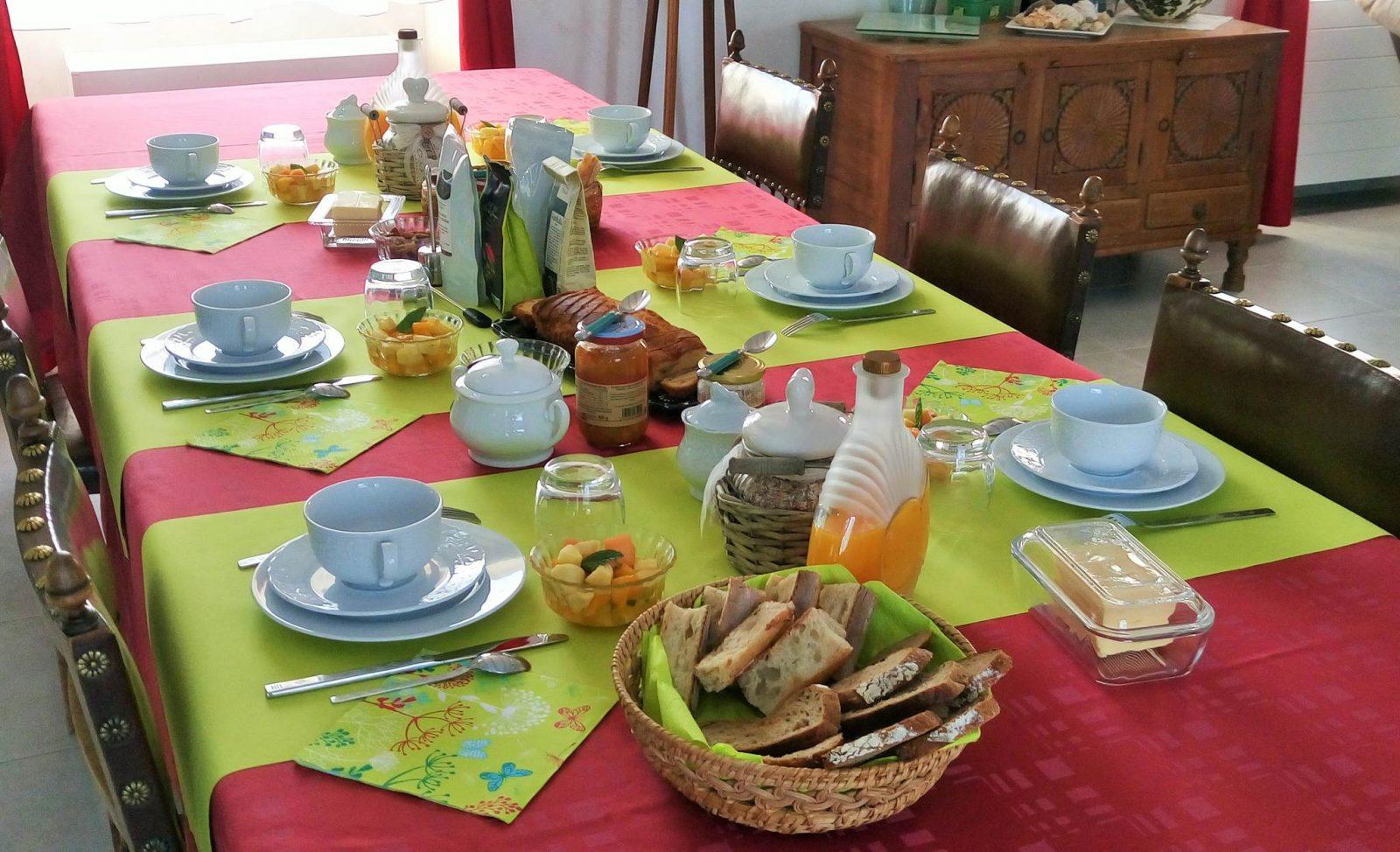 chambre d'hote-Takacs-petit-déjeuner-St Dolay-Tourisme Arc Sud Bretagne