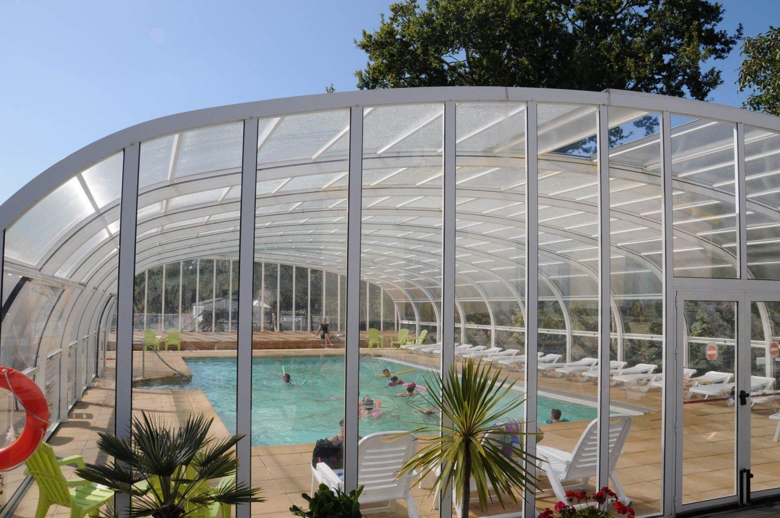 Vue de la piscine Camping LA BLANCHE HERMINE