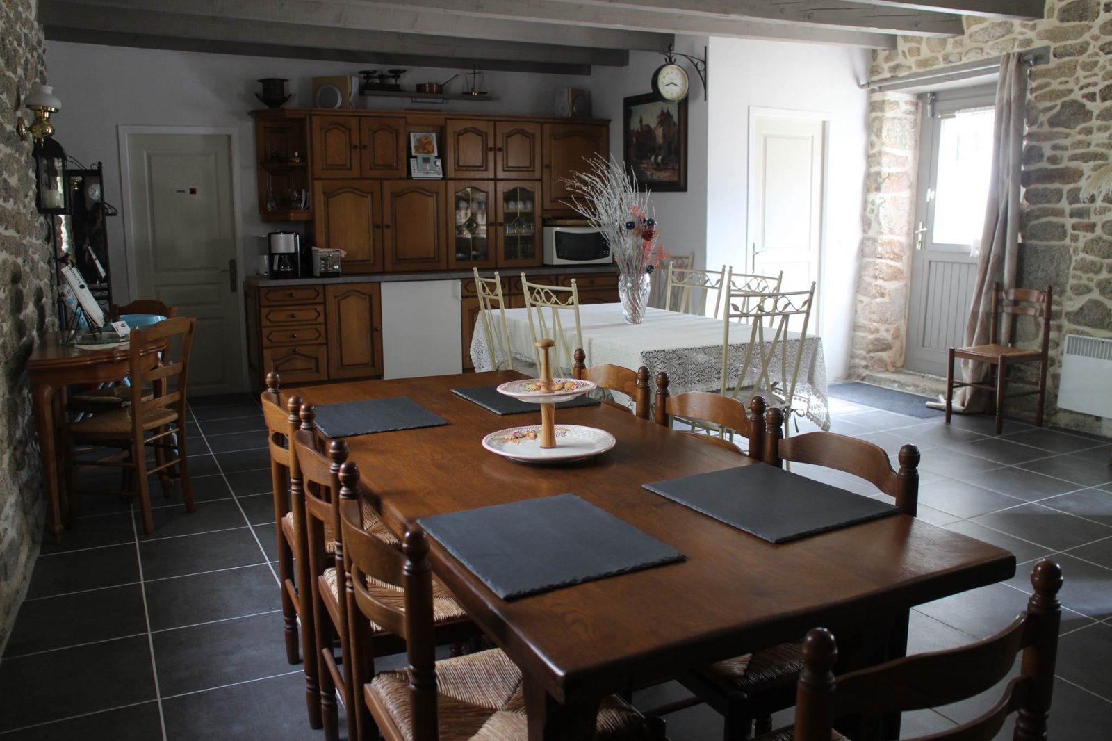 DOMAINE DE TRIVLÉ – salle de petit déjeuner 2